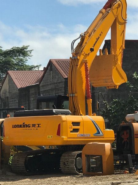 CDM6225 Hydraulic Excavator -- Other Vehicles -- Valenzuela, Philippines
