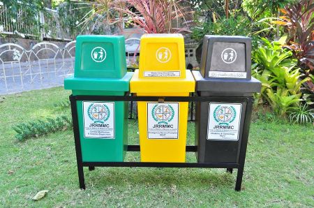Hooded trashbin with metal frame manufacturer of trashbin -- Manufacturing -- Bacoor, Philippines