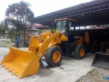 backhoe loader -- Other Vehicles -- Quezon City, Philippines