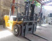 Trucks, industrial vehicles, heavy equipments, construction vehicles -- Other Vehicles -- Metro Manila, Philippines