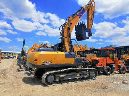 heavy equipments -- Trucks & Buses Valenzuela, Philippines