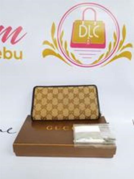 authentic gucci wallet -- Bags & Wallets -- Metro Manila, Philippines