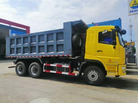 trucks and buses -- Trucks & Buses -- Valenzuela, Philippines