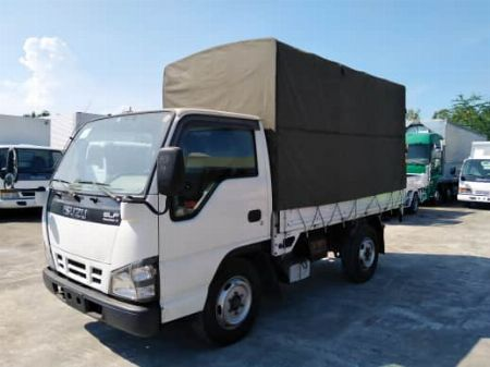 DROPSIDE / CARGO -- Compact Mid-Size Pickup -- Bulacan City, Philippines