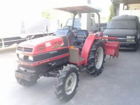 FARM TRACTOR 4X4 -- Compact Mid-Size Pickup -- Bulacan City, Philippines