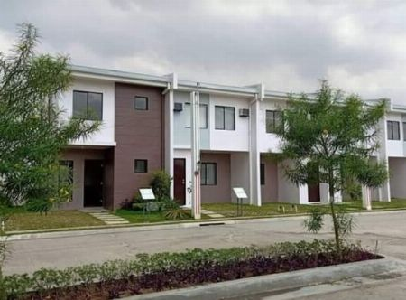 House and lot -- Condo & Townhome -- Laguna, Philippines