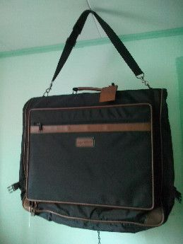hanging garment bag, foldable, -- Bags & Wallets -- Damarinas, Philippines
